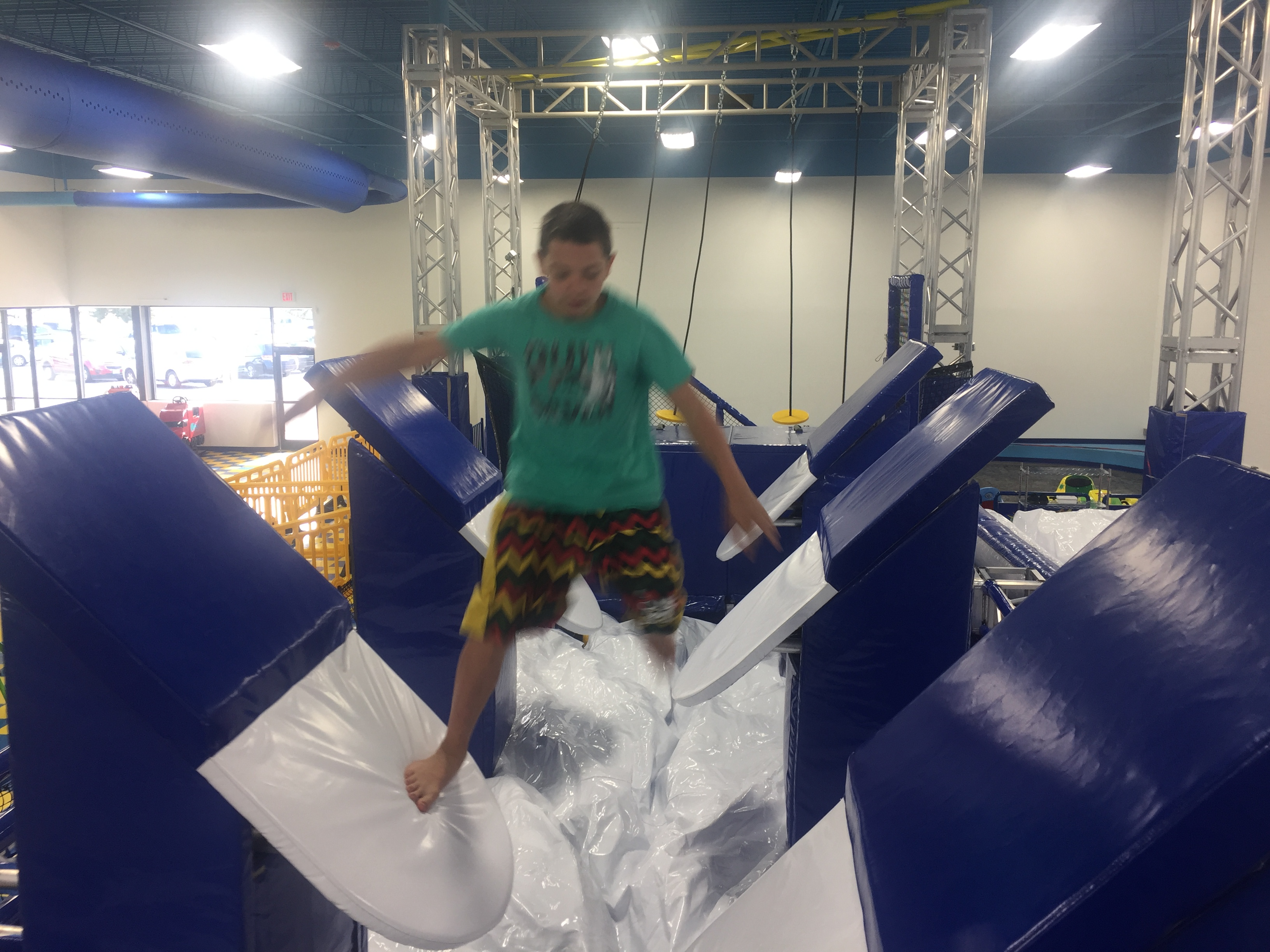 KIDS NINJA WARRIOR COURSE
